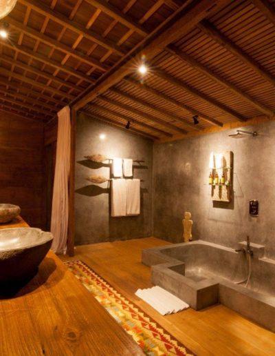 8-12-nagshampa-mainpool-bathsuite-3