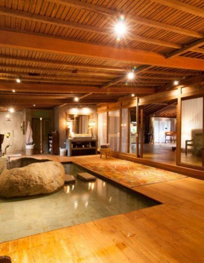 nag shampa-gallery-10-master-bathroom