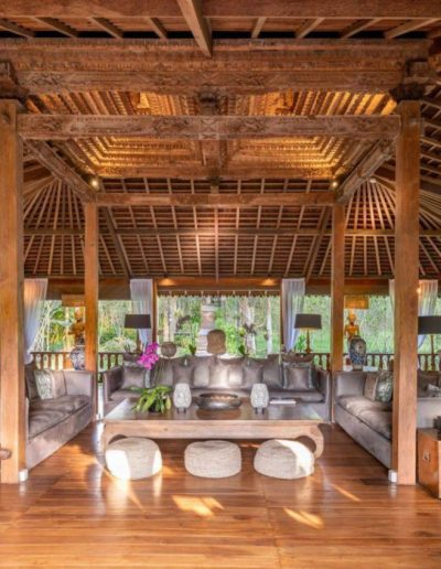 nag shampa-gallery-2-living-room-area